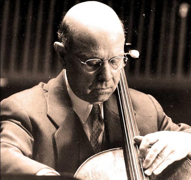 De quel instrument jouait Pablo Casals ?