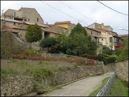 Commune d'Occitanie, dans l'arrondissement de Lodève, Poujols se situe dans le département ...
