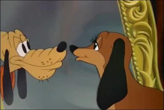 L'amour ne dure qu'un moment, c'est bien connu ! C'est donc en 1942 que Pluto a rencontré celle qui est toujours son flirt !