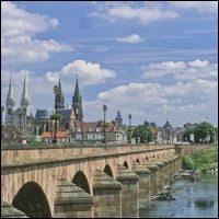 Commençons par les habitants de Moulins (Allier), ville dont les habitants se nomment ...