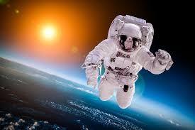 Neil Armstrong ou Youri Gagarine ?