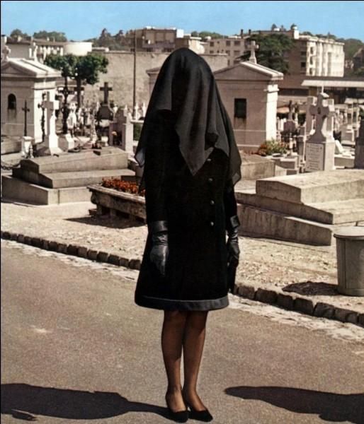 """Film d'amour obséquieux""""La Mariée était en noir"""" est un film joué par Jeanne Moreau."""