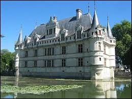 Comment appelle-t-on les habitants d'Azay-le-Rideau (Indre-et-Loire) ?