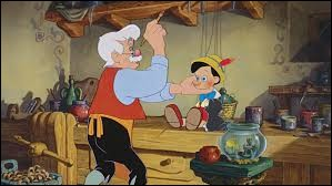 """Dans """"Pinocchio"""", lorsque Pinocchio est en mer, dans quel animal se retrouve-t-il piégé ?"""