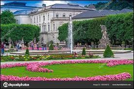 Le château Mirabell est situé en...