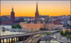 "Ma capitale est ""Stockholm""."