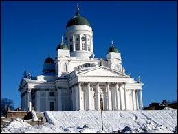 Cette cathédrale est située dans ma capitale.