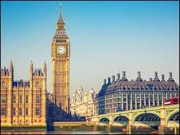 """Dans mon pays, on peut observer le """"Big Ben""""."""