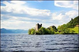 """Le """"Loch Ness"""" est un lac situé en..."""