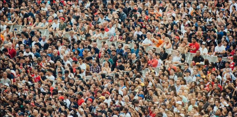 Il y a un mouvement de foule dans la manifestation où tu es. Tu te sens...