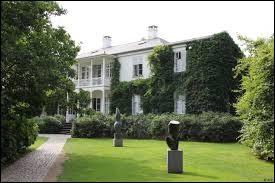 """Le """"musée d'art moderne Louisiana"""" est situé dans mon pays."""