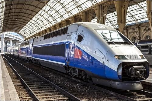 En France, il existe 12 lignes de chemin de fer....