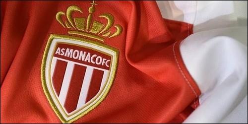 Qui est le jeune joueur qui est arrivé de l'AS Monaco pour 180 millions d'euros en 2017 le 31 août ?