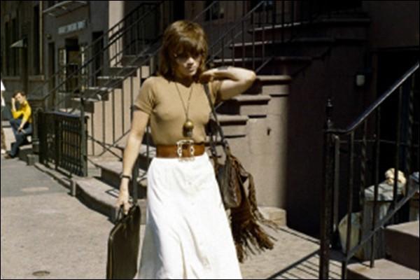 Jane Fonda est Bree, call-girl new-yorkaise, et Donald Sutherland est un policier flegmatique : c'est ...