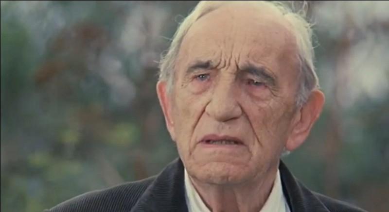 Donato Giurrana (Charles Vanel) a fait venir ses fils (Philippe Noiret, Vittorio Mezzogiorno, Michele Placido), dans leur maison natale du sud de l'Italie. C'est ...