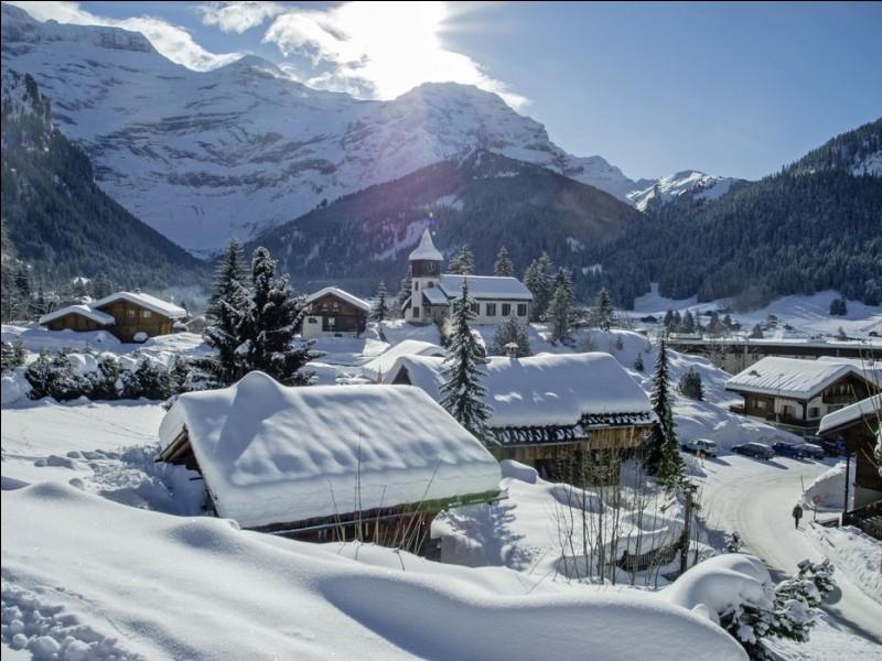 Journée très ensoleillée sur la neige scintillante de la station des Diablerets ! Où sommes-nous ?