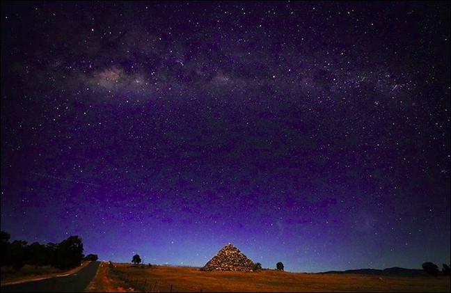 La pyramide Ballandean (Queensland, Australie) - 7 500 tonnes de blocs de granit - a été construite par un seul homme et pour une seule raison, mais est-elle suffisante ?