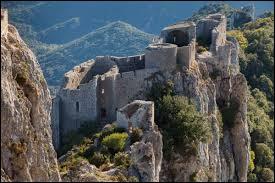 Ici, nous sommes dans la région Occitanie, département de l'Aude. Quel est le nom de ce château ?