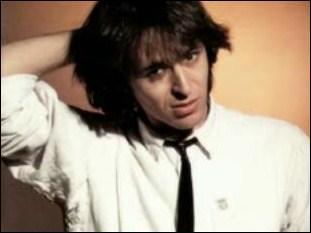 En 1985, avec qui chante-t-il 'Je te donne' ?