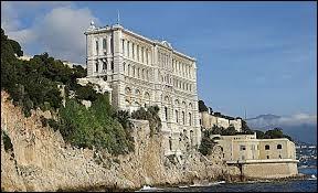 """Ce célèbre """"Musée océanographique"""" est situé dans mon pays."""