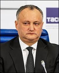 """Igor Dodon"" est mon président."