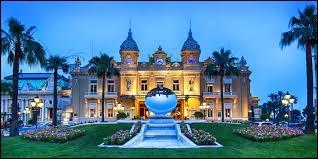 Le casino de Monte-Carlo est situé dans mon pays.