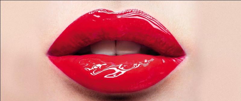 """Qui est l'interprète du tube """"Kiss me"""" ?"""