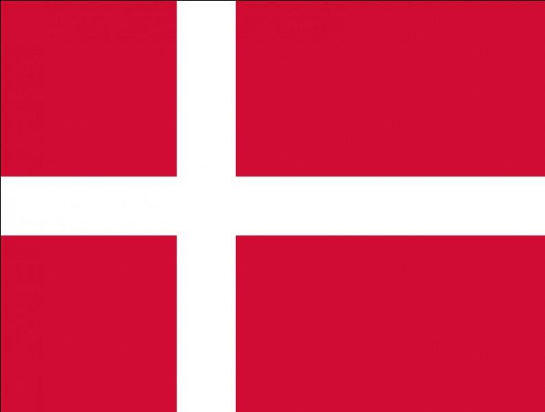 Citez une langue officielle du Danemark !