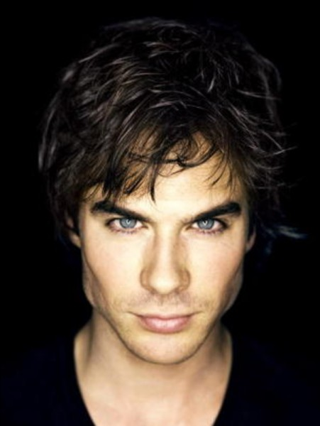 Comment s'appelle l'acteur qui joue Damon Salvatore ?