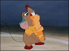 """Dans le dessin animé """"Cendrillon"""", comment s'appelle la souris qui ne fait que manger ?"""