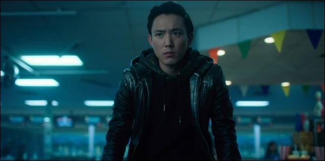 Dans le dernier épisode, quel fantôme prend possession du corps de Klaus ?