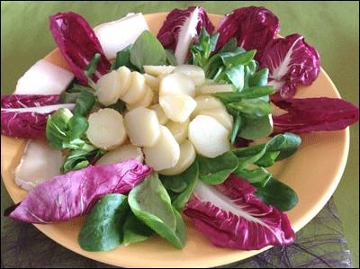 Entrée toute simple et fraîche avec une salade de pommes de terre...
