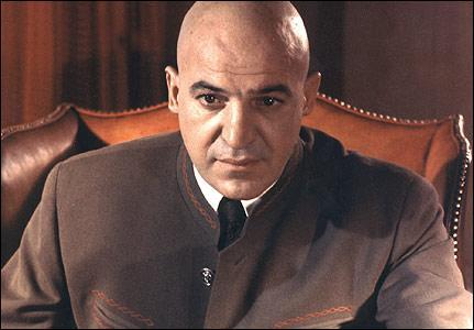 Quel ennemi de James Bond Telly Savalas a-t-il interprété ?