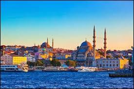 Quelle ville actuelle fut autrefois appelée Constantinople ?