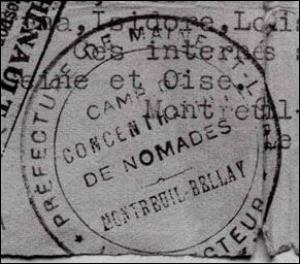 1940 > L'internement de la totalité des Roms sur le sol français étant irréalisable, une mesure obligatoire est alors instaurée par les autorités de Vichy. Laquelle ?