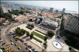 État francophone d'Afrique, il a pour capitale la ville de Dakar. Il s'agit ...