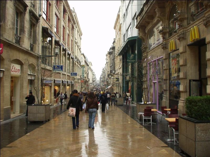 Quel est le nom de cette rue de Bordeaux considérée comme la plus longue rue commerçante et piétonne d'Europe ?
