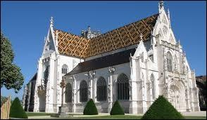 Dans quelle ville peut-on voir le monastère royal de Brou ?
