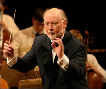 """Ce compositeur, principalement connu pour ses musiques de films """"Les Dents de la mer"""", """"E.T. l'extra-terrestre"""", les sagas """"Star Wars"""" et """"Indiana Jones"""", c'est ..."""