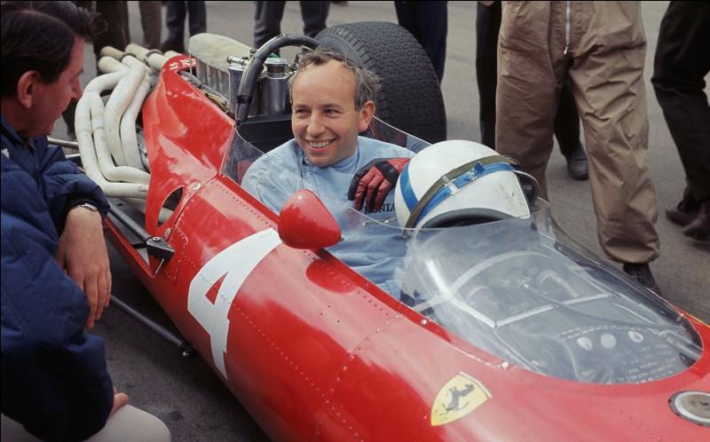 Ce pilote automobile, champion de monde de F1 en 1964 après avoir été plusieurs fois champion du monde moto, c'est ...