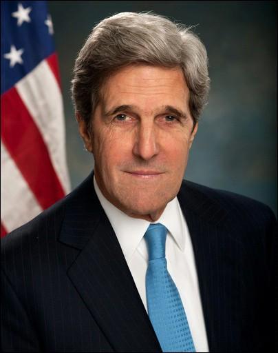 Cet homme politique américain, candidat du Parti Démocrate à l'élection présidentielle de 2004, secrétaire d'Etat de février 2013 à janvier 2017, c'est ...