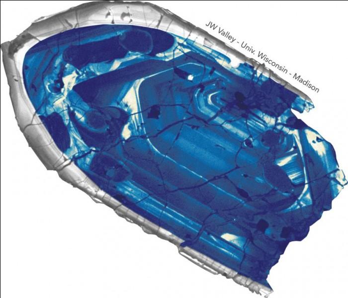 Comment s'appelle cette roche découverte en 2001 et qui a plus de 4 milliards d'années ?