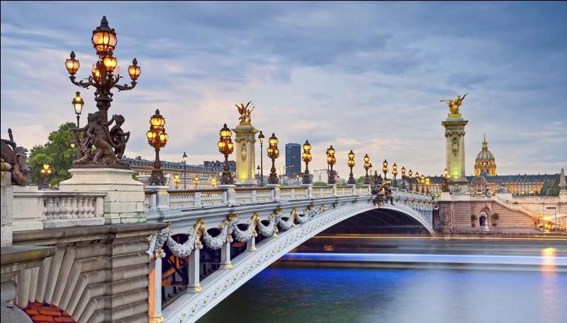 Quel nom en argot est donné à Paris et sa banlieue ?