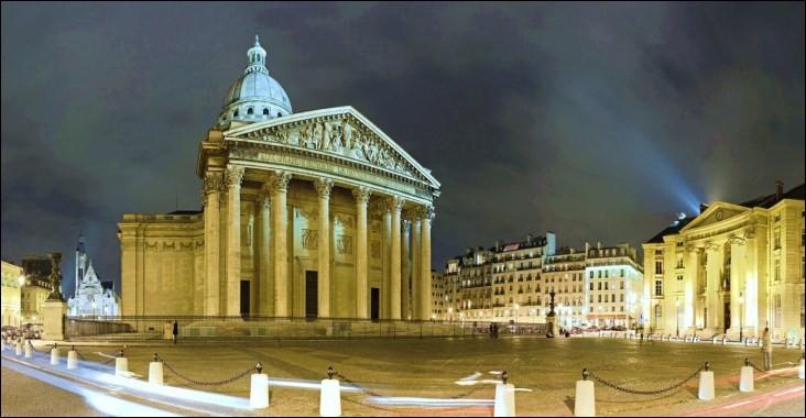 En mars 2019, combien de femmes reposent au Panthéon de Paris ?