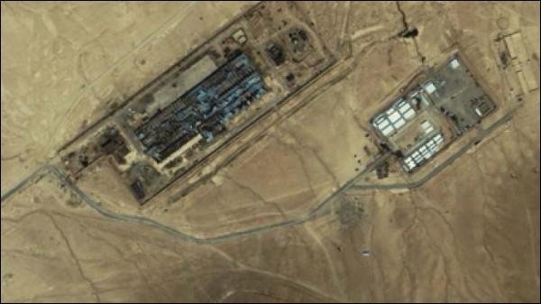 """""""Black sites"""" > Elles ne sont ni des chaises, ni noires, ni électriques : Ces prisons spéciales de la CIA fleurissent dans les ex-pays de l'Est, au Maroc, en Afghanistan... Mais pourquoi les faire à l'étranger ?"""