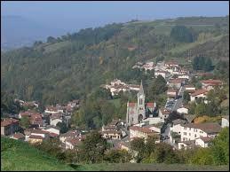 Village Rhodanien, Courzieu se situe en région ...