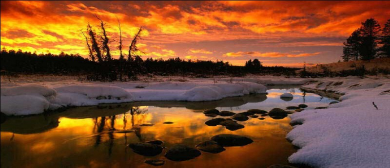 """Si """"le ciel est de fer entre les cheminées"""", comment serait-il préférable aux yeux du poète aimant changer les couleurs du temps ?"""
