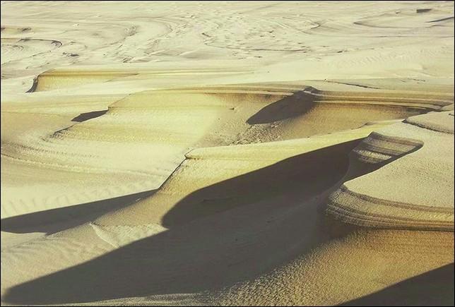 Y aurait-il un grain de sable dans ce quiz ? Autrement dit : combien mesurent ces dunes (en hauteur) ?