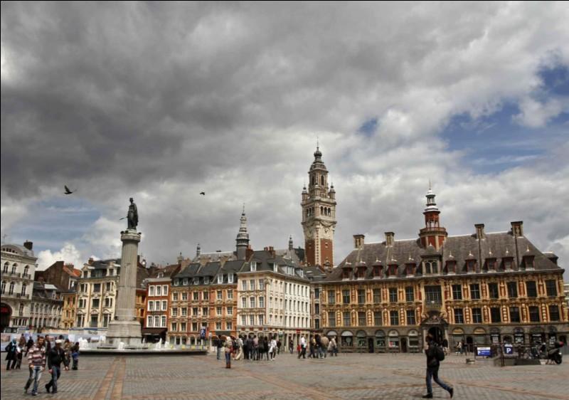 Dans quelle ville la Grand'Place se situe-t-elle ?