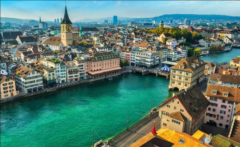 Quelle est la langue officielle parlée à Zurich ?